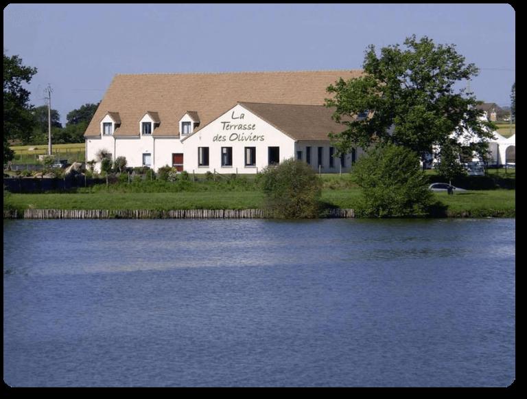 La Terrasse des Oliviers, hôtel, gîte et accueil de groupes à Mansigné